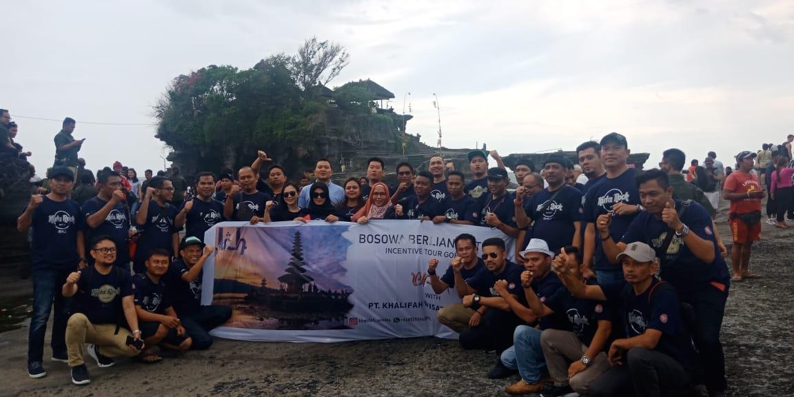 Grup Incentive tour Pt. Bosowa Berlian Motor Goes To Bali, Kunjungan ke Pura Tanah Lot
